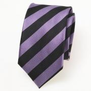 Seidenkrawatte mit schwarzen und violetten Streifen