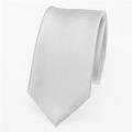 schmale weisse Krawatte